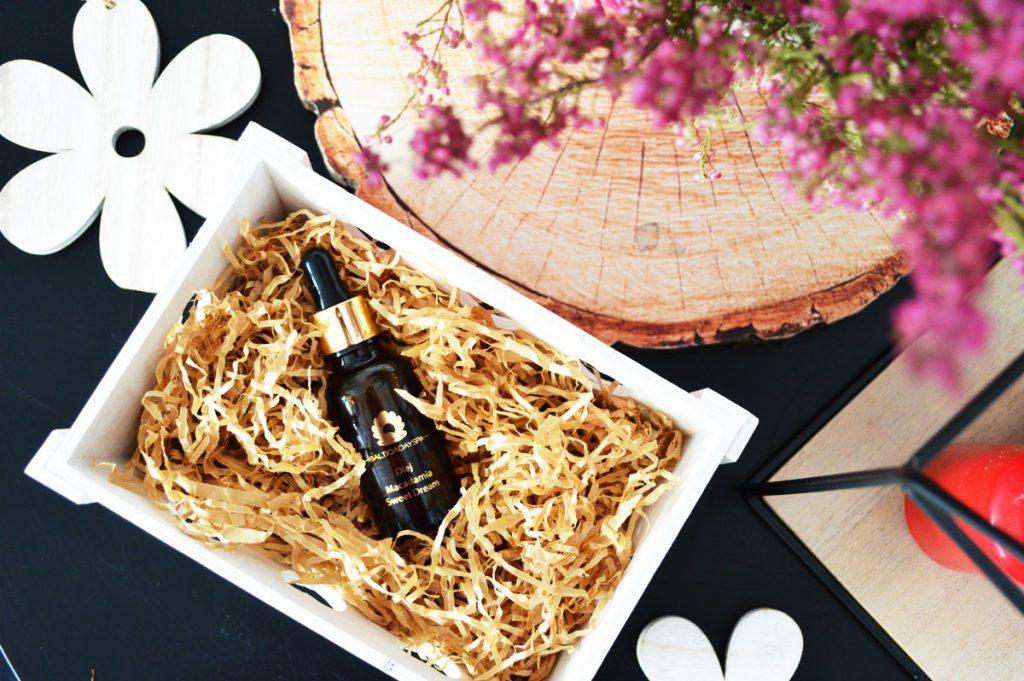 Olej macadamia w kosmetyce. Kiedy warto go stosować?