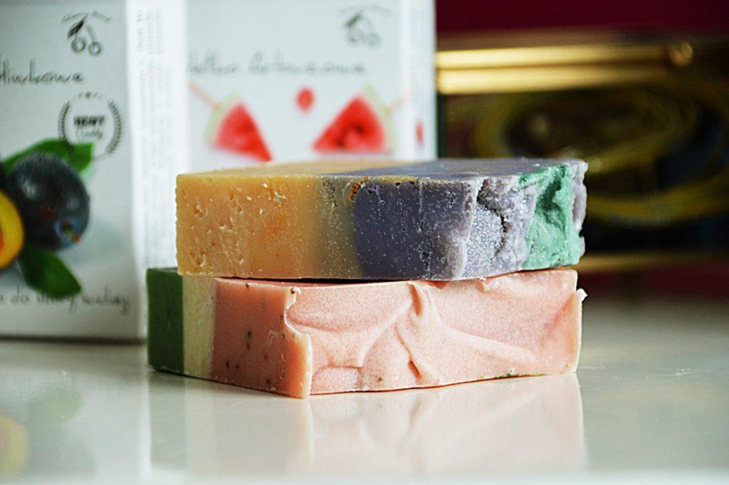 Ręcznie wyrabiane mydła Cherry Soap. Arbuzowe i śliwkowe